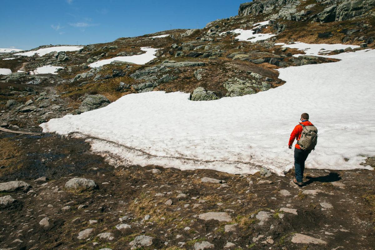 Markus wandert im Schnee